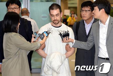 """韓国""""梨泰院殺人事件"""" パターソン被告に懲役20年を宣告=法廷最高刑 ..."""