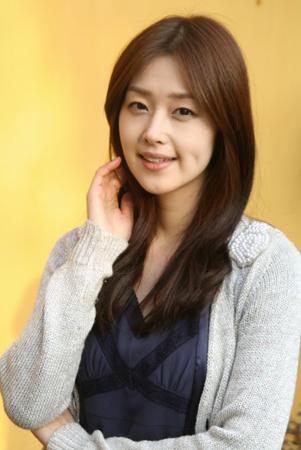 韓国進出の日本人女優第1号の笛木優子(ユミン)、結婚発表に韓国 ...